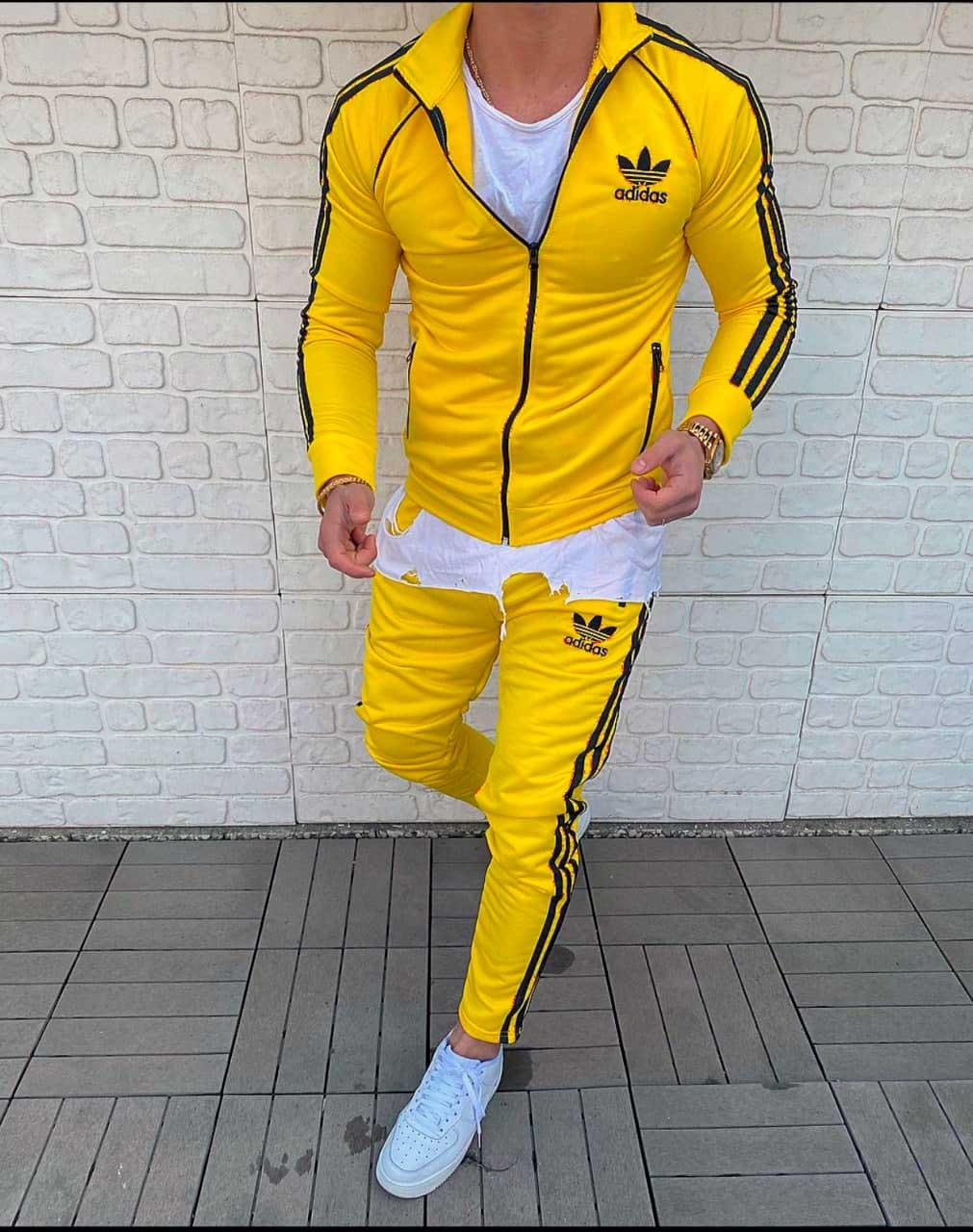 спортивный костюм на весну